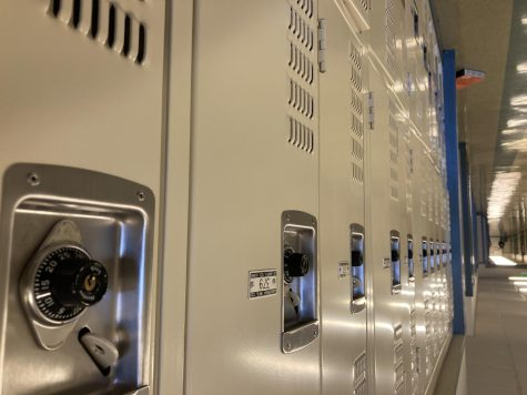 San Rafael Students Without Lockers Have a Heavy Weight on Their Shoulders